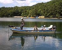 木崎湖モダンボート和船