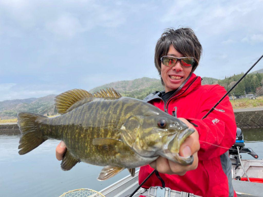 木崎湖へバス釣り遠征!ツカコウこと塚本康平と釣る春の木崎湖 動画アップしました!